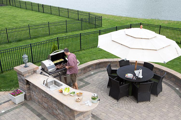 DML-Benefits-of-Outdoor-Kitchens